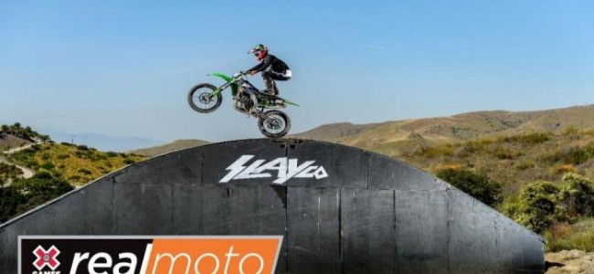VIDEO: Als Axell Hodges uitpakt!