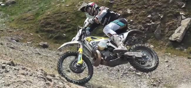 VIDEO: Billy Bolt drops it like it's hot!!