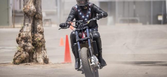 Travis Pastrana doet Evel Knievel!