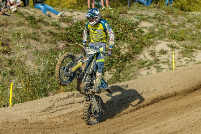 Lars van Berkel wint de Strandcross Lemmer.