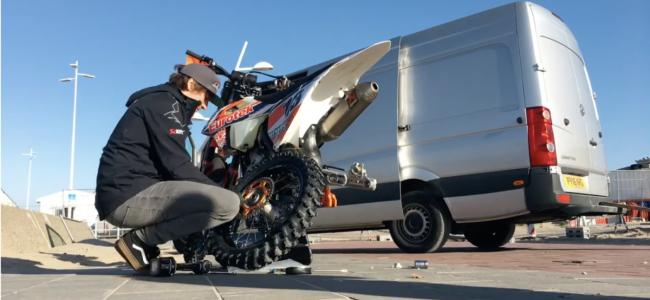 Video: Paul Bolton helpt met de afstelling van jouw motor