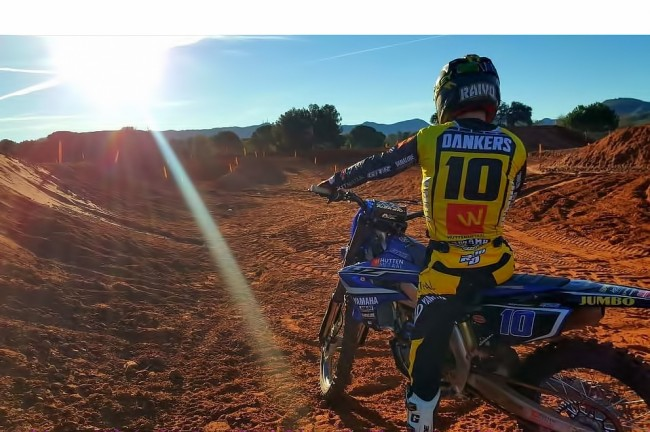 Aan de slag voor Hutten Metaal Yamaha Racing?