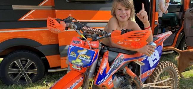 Video: Crosskampioen reed eerder op motor dan op fiets