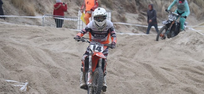 Jacky Tausch wint strandcross in Zoutelande!