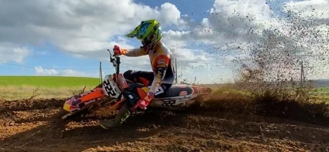 VIDEO: Ook Cairoli zit weer op de motor