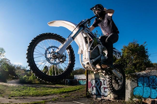 VIDEO: Josh Hill, de ultieme urban rider!