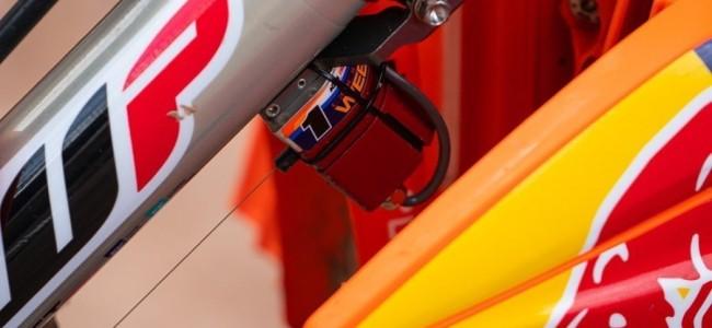 Wat is het vreemd apparaatje op de KTM van Cooper Webb?