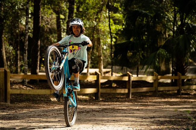 VIDEO: Ronnie Renner's MTB paradijs