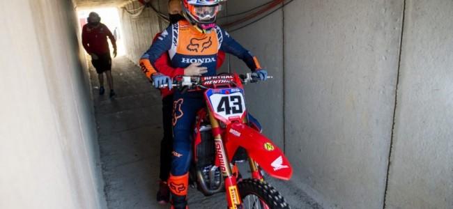Evans mist MXGP race 2 met polskwetsuur
