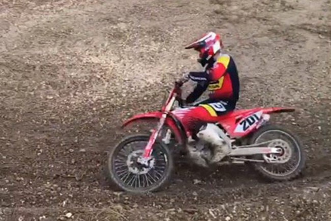 VIDEO: Mickael Pichon test zijn SX-skills.