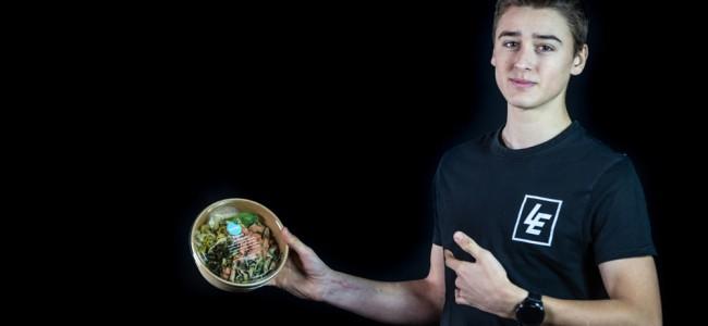 Fotoshoot: Foodmaker wordt hoofdsponsor van Liam Everts in 2021