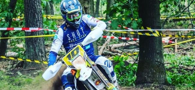 Mathias Van Hoof ontwricht heup op training